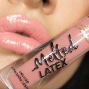 Too faced melted latex Peekaboo